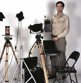 Nicholas Hellmuth with the Digital Photography panoramic equipment